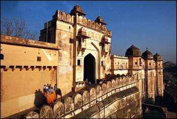 Golden Triangle Tours India,Rajasthan tour and travels,jaipur travel tourism India.